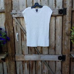 Eileen Fisher l  White Sleeveless Knit Sweater
